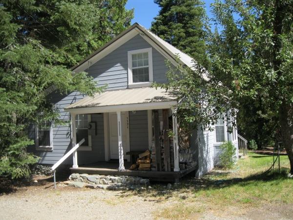 10_grey house