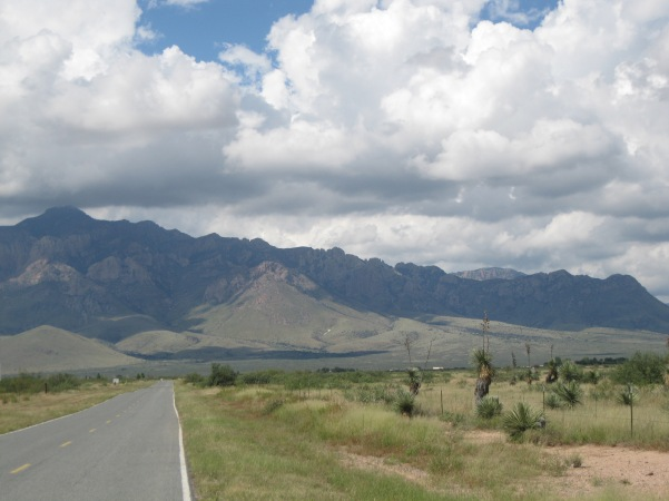 1_road to Chiricauhua Mts and Portal from Hiway 80