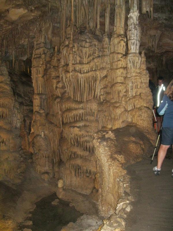 25_a cave organ