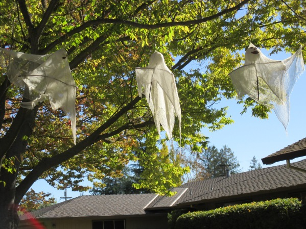11_three ghosts
