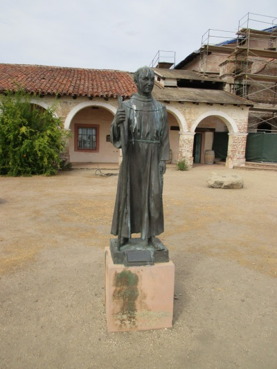 19_mission - staute of founder