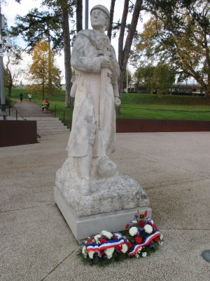 20_monument to the soldiers