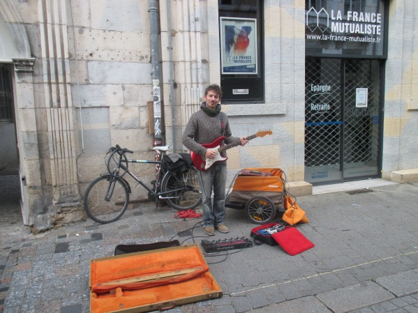 10_local busker